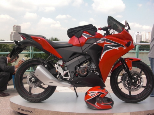 cbr 150 cc terbaru 2012