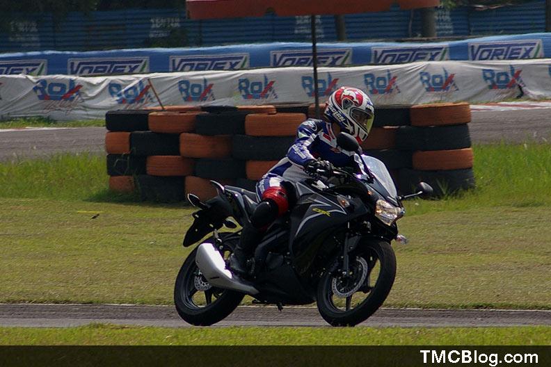 Tmcblog First Riding Impression 2011 Honda CBR 150R
