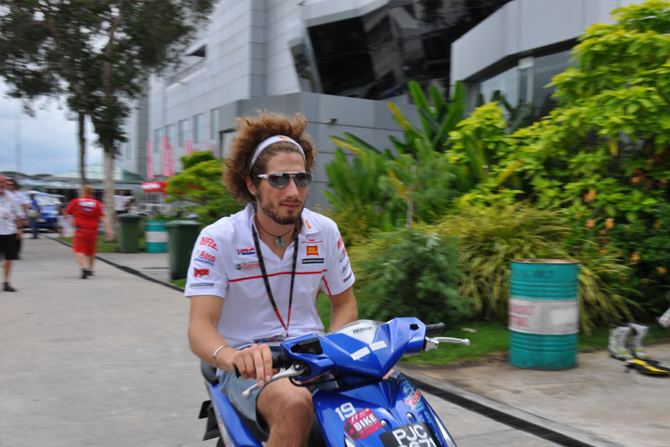 Last Pictures of Marco Simoncelli with Indonesian Bloggers Oktober 30