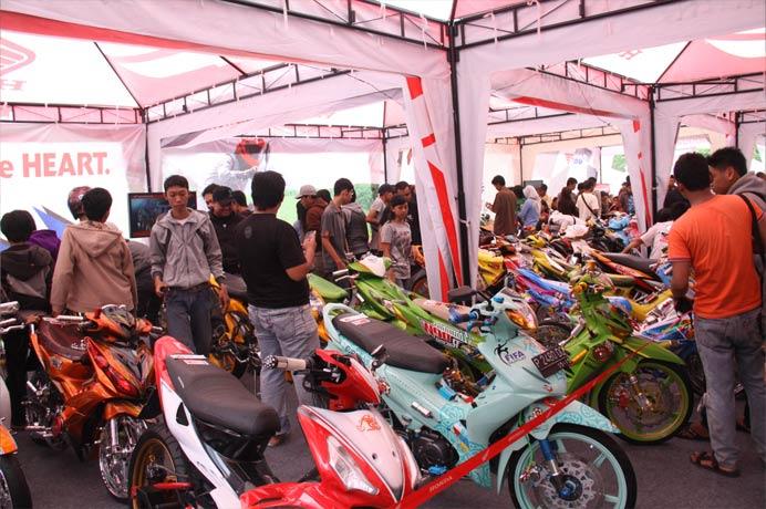 Honda OtoContest Surabaya Hadiahi pemenang ke Bangkok MotorShow 2012