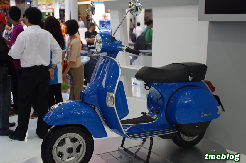 Galleri Vespa PX 150 Masih Klasik Banget Desainnya