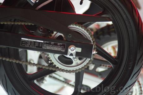Yukk Ngobrolin Upgrade Ban Honda CB150R StreetFire Dengan Velg Standar  Ban Honda Cb150r