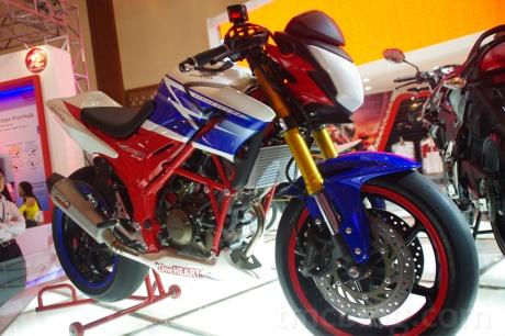 Yukk Ngobrolin Upgrade Ban Honda CB150R StreetFire Dengan Velg ... 9410ec8de2