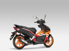 nsc50r-scooter-2013-078