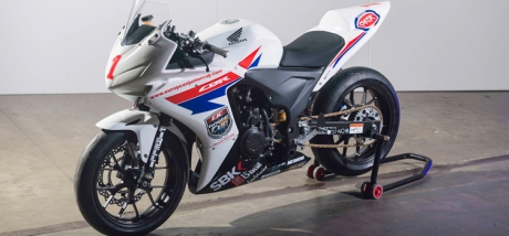 Honda-CBR500R-race-bike-04