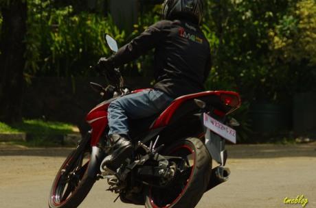 Bakar Yamaha New Vixion . . . 51 km/liter Premium !! Desember 18, 2012
