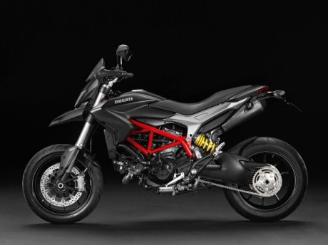 2013-Ducati-Hypermotard-studio-05-635x475