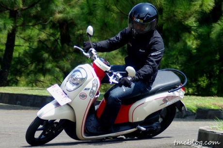 Test_ride_scoopy_fi#1
