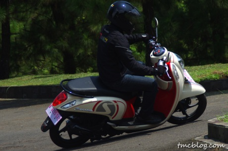 Test_ride_scoopy_fi#7