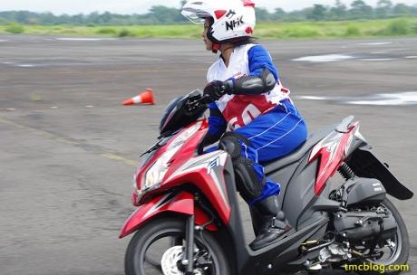 AHSRC_lombok_girls_13
