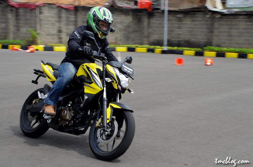tmcblog.com » First Ride : 2013 Kawasaki Bajaj Pulsar 200NS