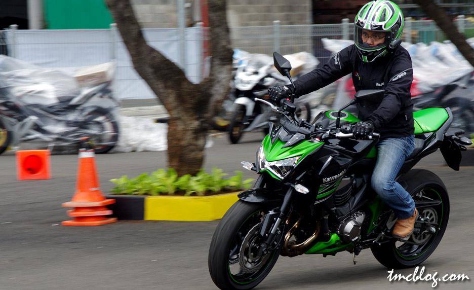 Tmcblog Test Ride Kawasaki Z800 Bengis Banget
