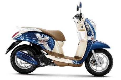 honda-scoopy-i-club12-2013-32