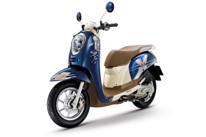 honda-scoopy-i-club12-2013-35