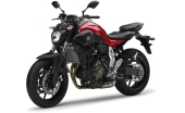 2014-Yamaha-MT-07-EU-Racing-Red-Studio-007