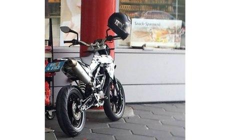 2015-ktm-200-supermoto