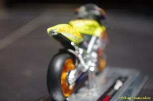 RCV2003_VR46_009