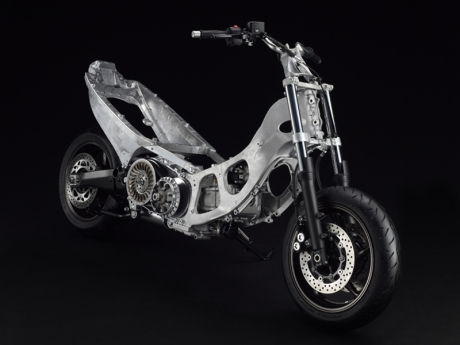 Yamaha-T-Max-2012-05-IAMABIKER