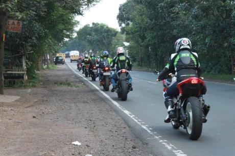 Gilamotor Touring Bandung 4