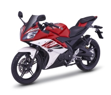08_YZF-R15_RED_4