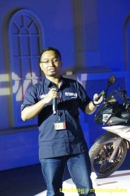 Launching_Yamaha_R1511