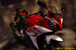 Launching_Yamaha_R15114