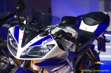Launching_Yamaha_R1518