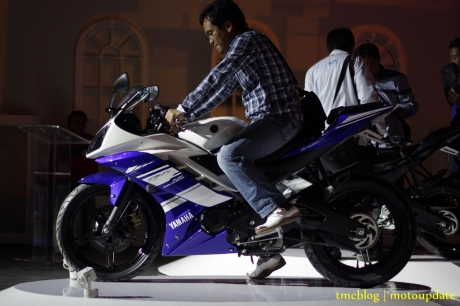 Launching_Yamaha_R15189