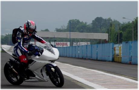 R15_racing