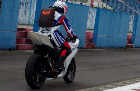 R15_racing3