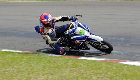 Fitriansyah Kete (Yamaha Tunggal Jaya) pemuncak klasemen sementara kelas 110 cc dan 125 cc Indoprix 2014