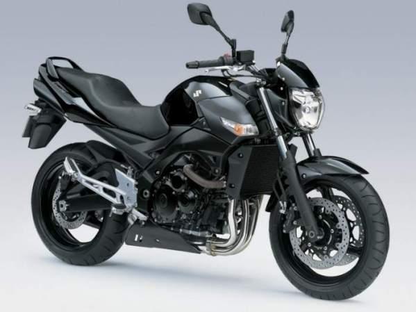 Suzuki GSR  600 08  2