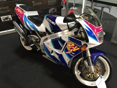 2015/01/suzuki-rgv-250-1.jpg